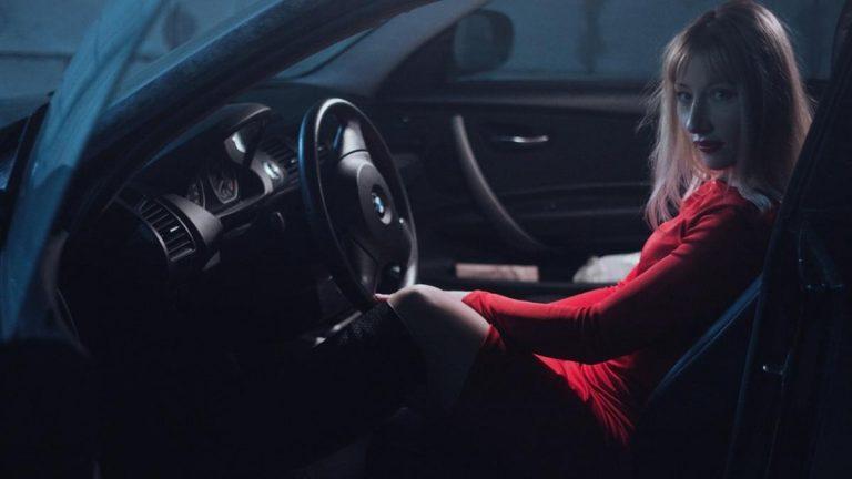 Folia ochronna na lakier nowego samochodu – czy warto?