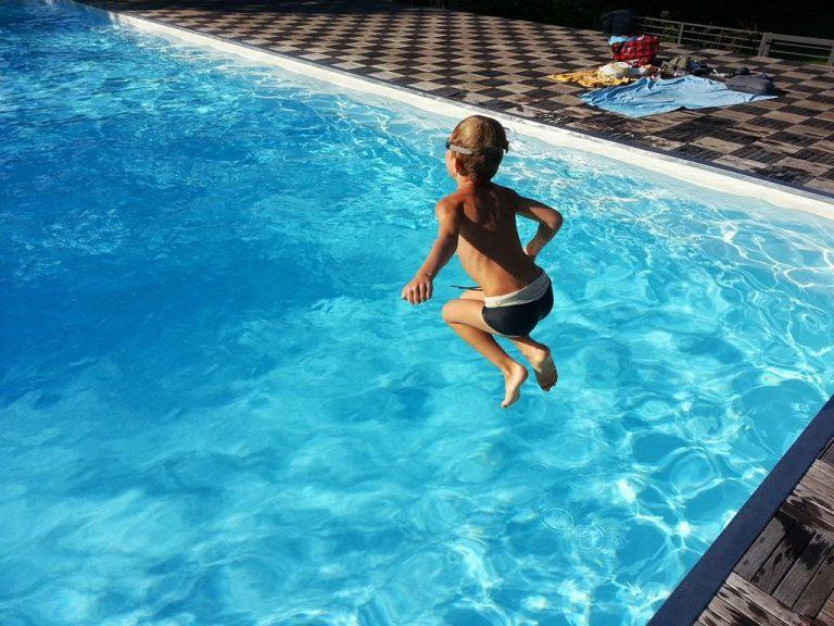Niezawodna grzałka do basenu