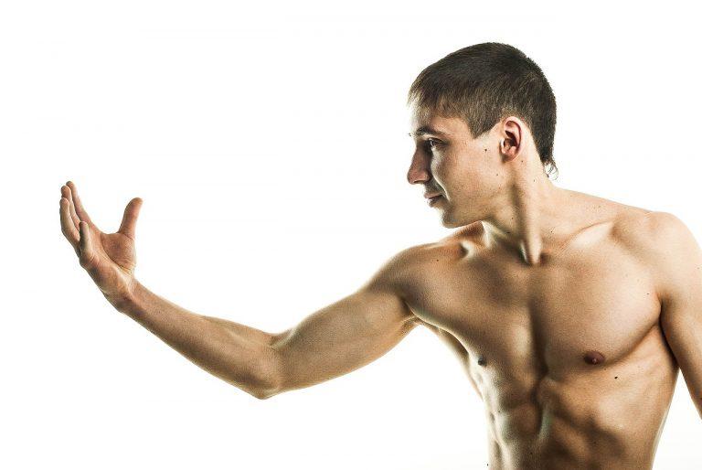 Jak się odżywiać podczas odchudzania i budowania masy mięśniowej?
